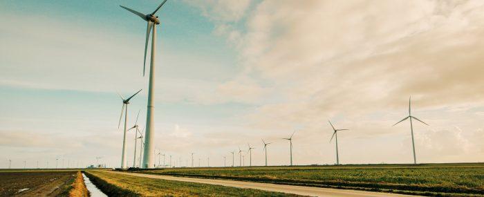 Como melhorar a eficiência energética de uma fábrica?
